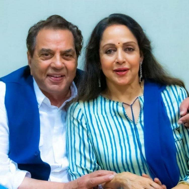 Hema Malini faced opposition from family members regarding marriage to Dharmendra, said this